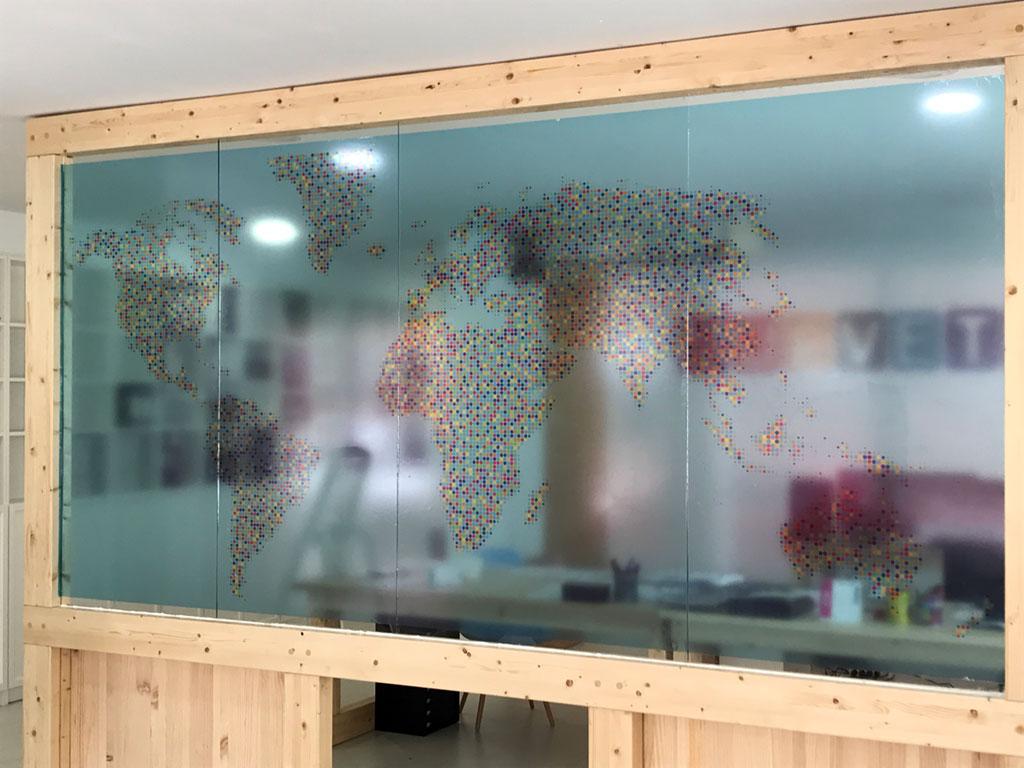 Vinilo transparente impreso para cristal
